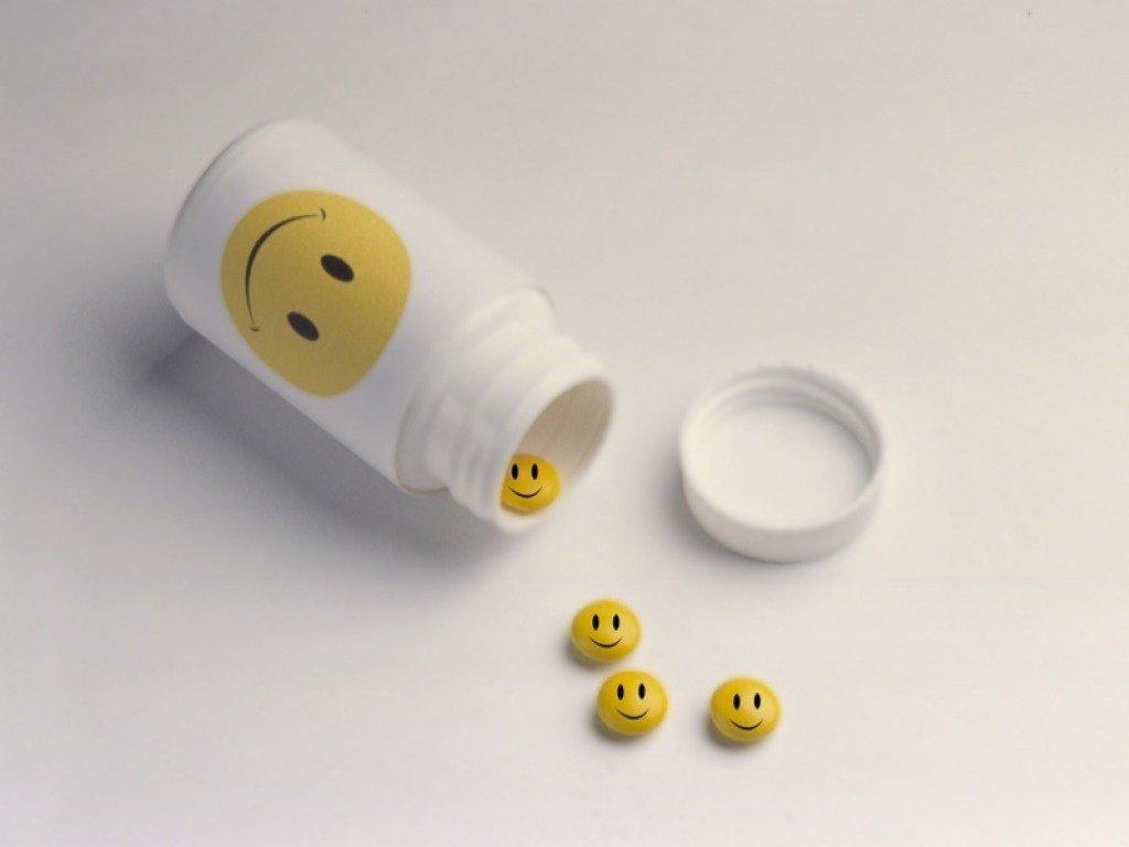Картинки таблеток и лекарств смешные, красивые